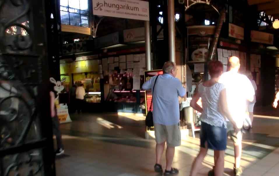 ブダペスト中央市場の中の様子