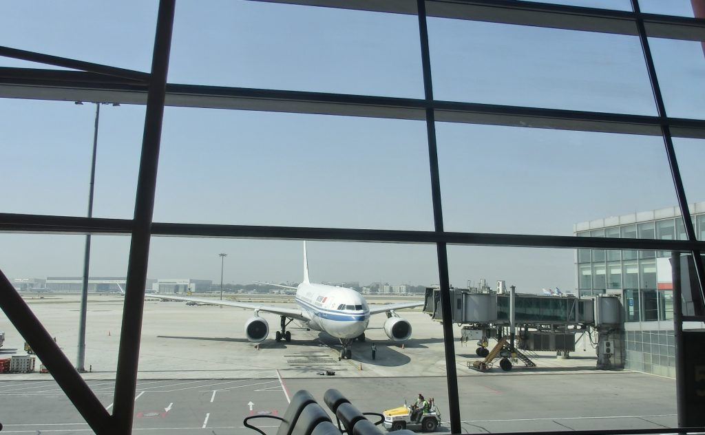 中国国際航空はなぜ安い?の理由!空港前乗りで暇つぶしする