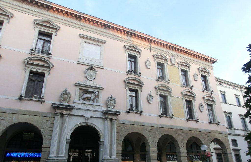 パドヴァ観光中に発見したパドヴァ大学