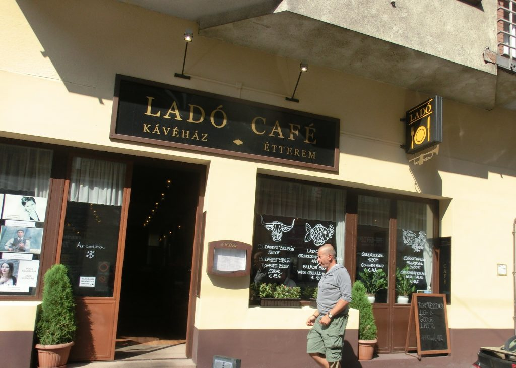 ハンガリーでフォアグラが安くて美味しいと評判のレストラン