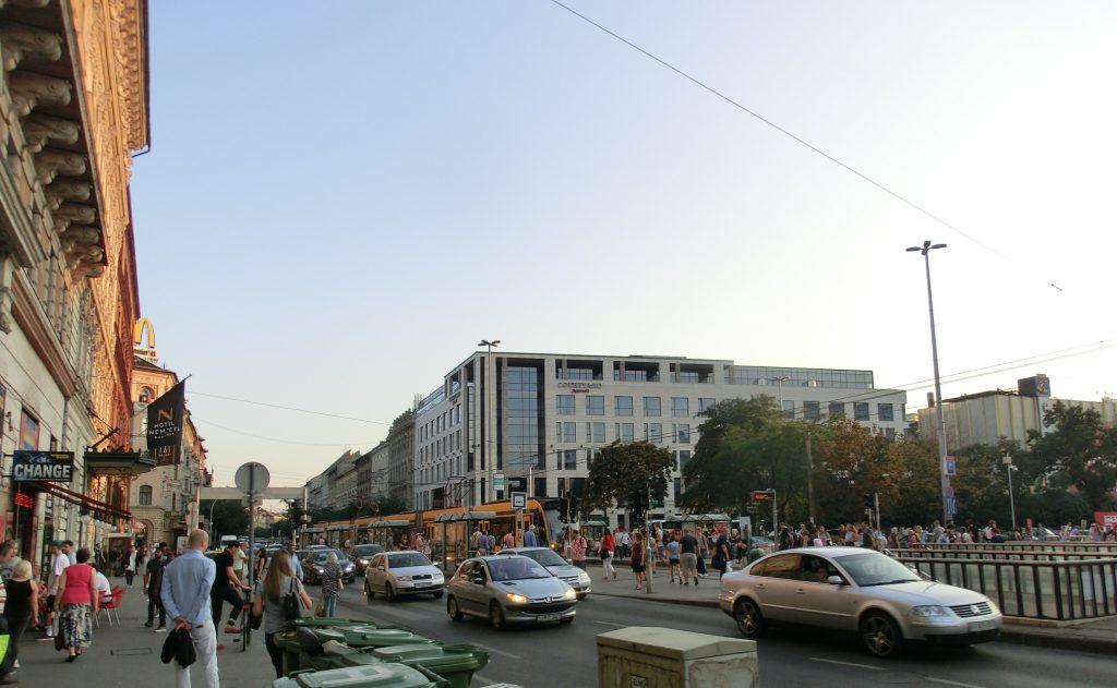 意外と物価が安くなかったブダペストの街並み