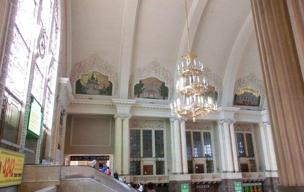 ウクライナのキエフ中央駅の中