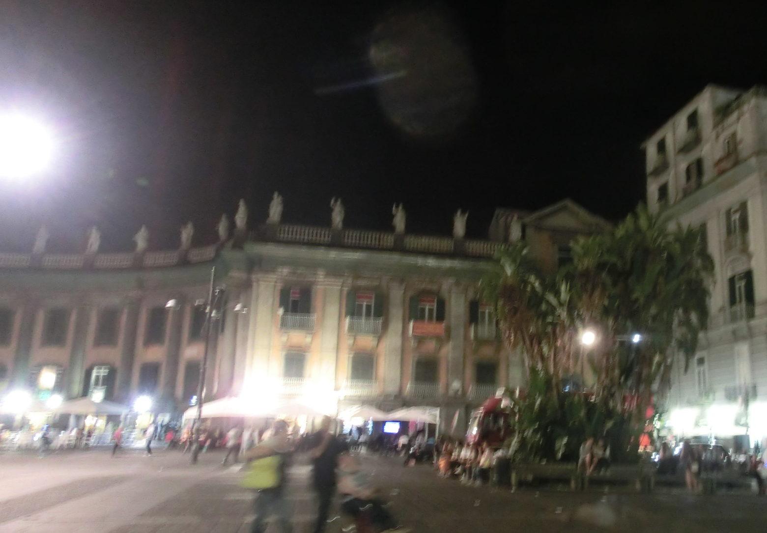 ナポリの街をホステルメイトと散策