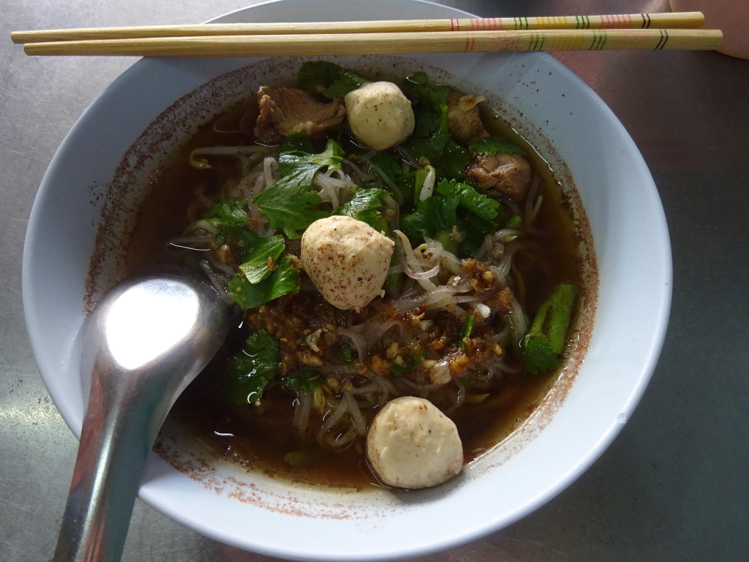 バンコクの屋台「B級グルメ」おすすめ麺料理