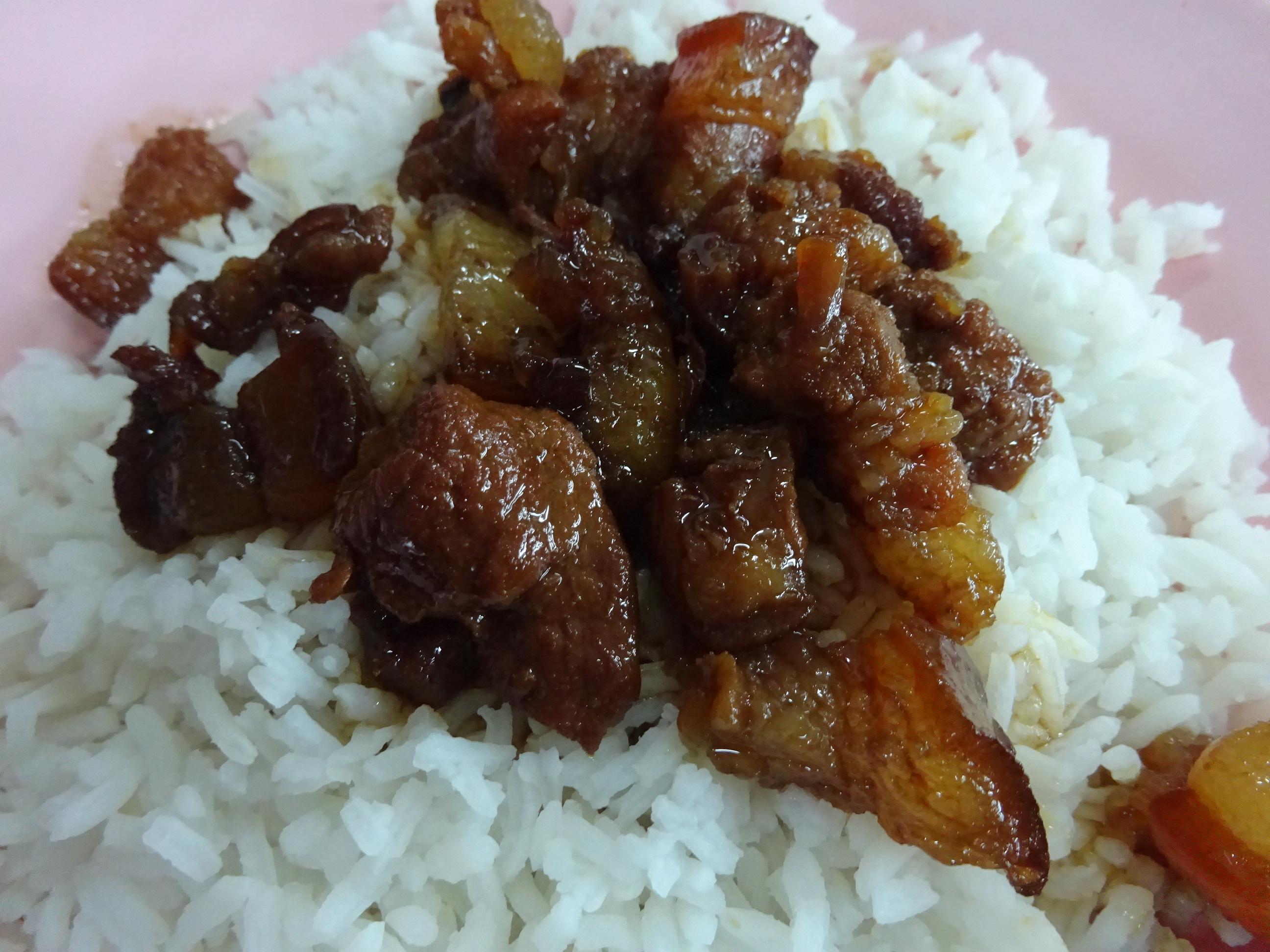 バンコクの屋台「B級グルメ」おすすめ豚の角煮ご飯