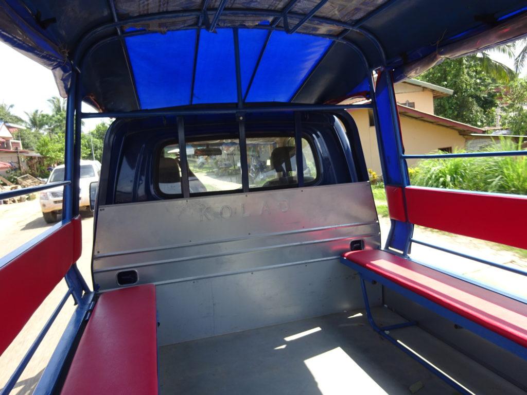 バンビエンからルアンパバーン行きのバスお迎え