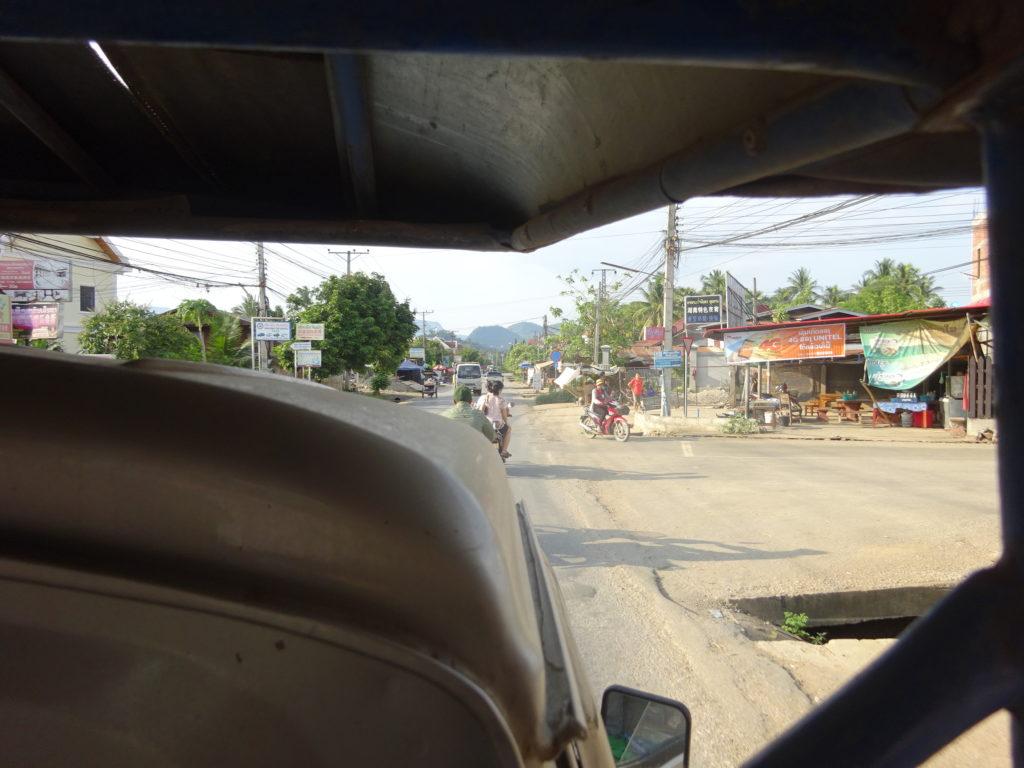 ルアンパバーンの乗り合いバス