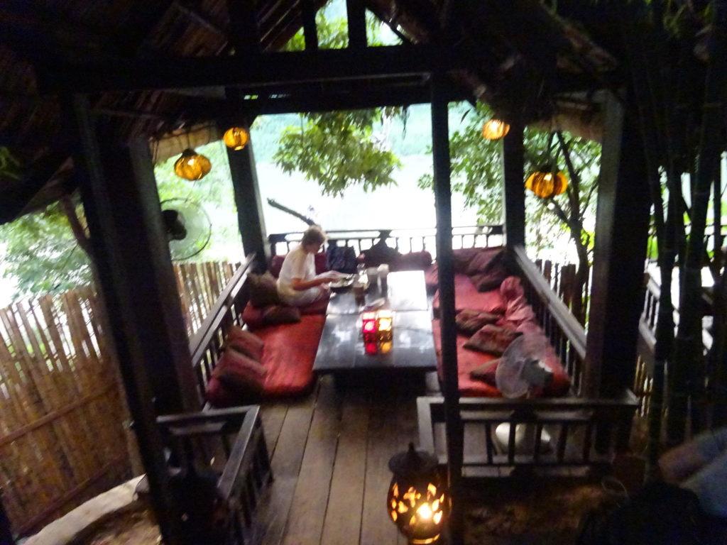 ルアンパバーンおしゃれレストランは雰囲気最高