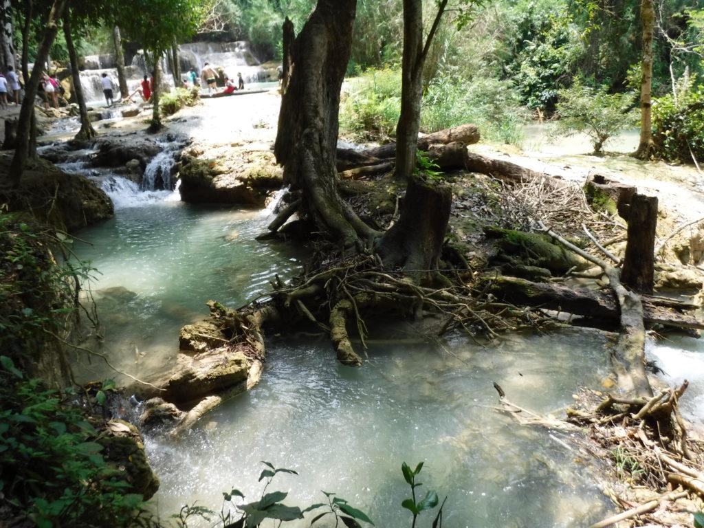 ラオス・ルアンパバーン「クアンシーの滝」の風景