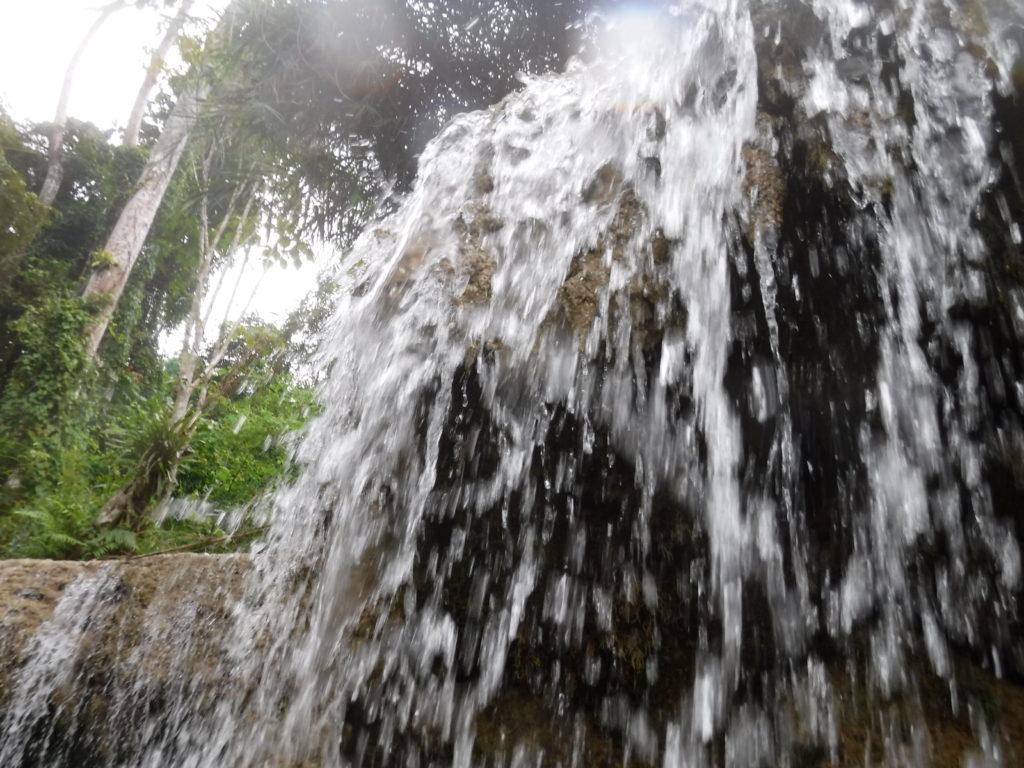ラオス・ルアンパバーン「クアンシーの滝」滝の様子