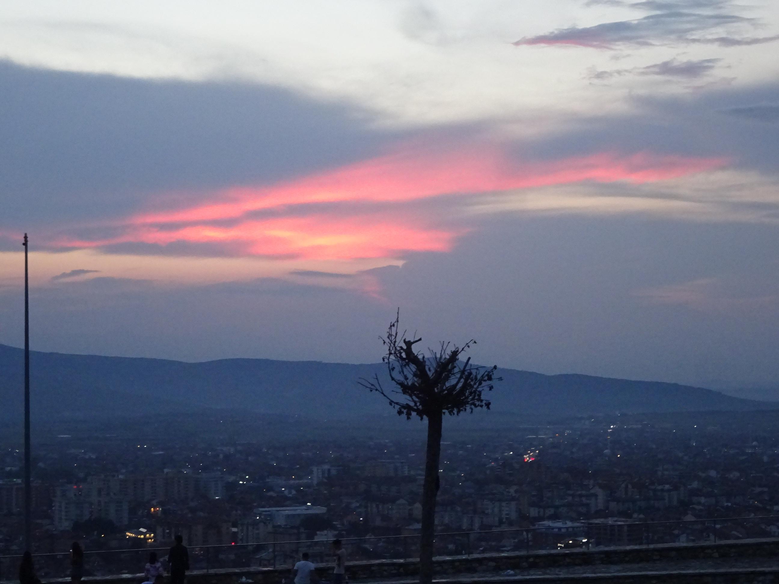 プリズレンの観光「プリズレン要塞」からの景色は空の色がキレイ