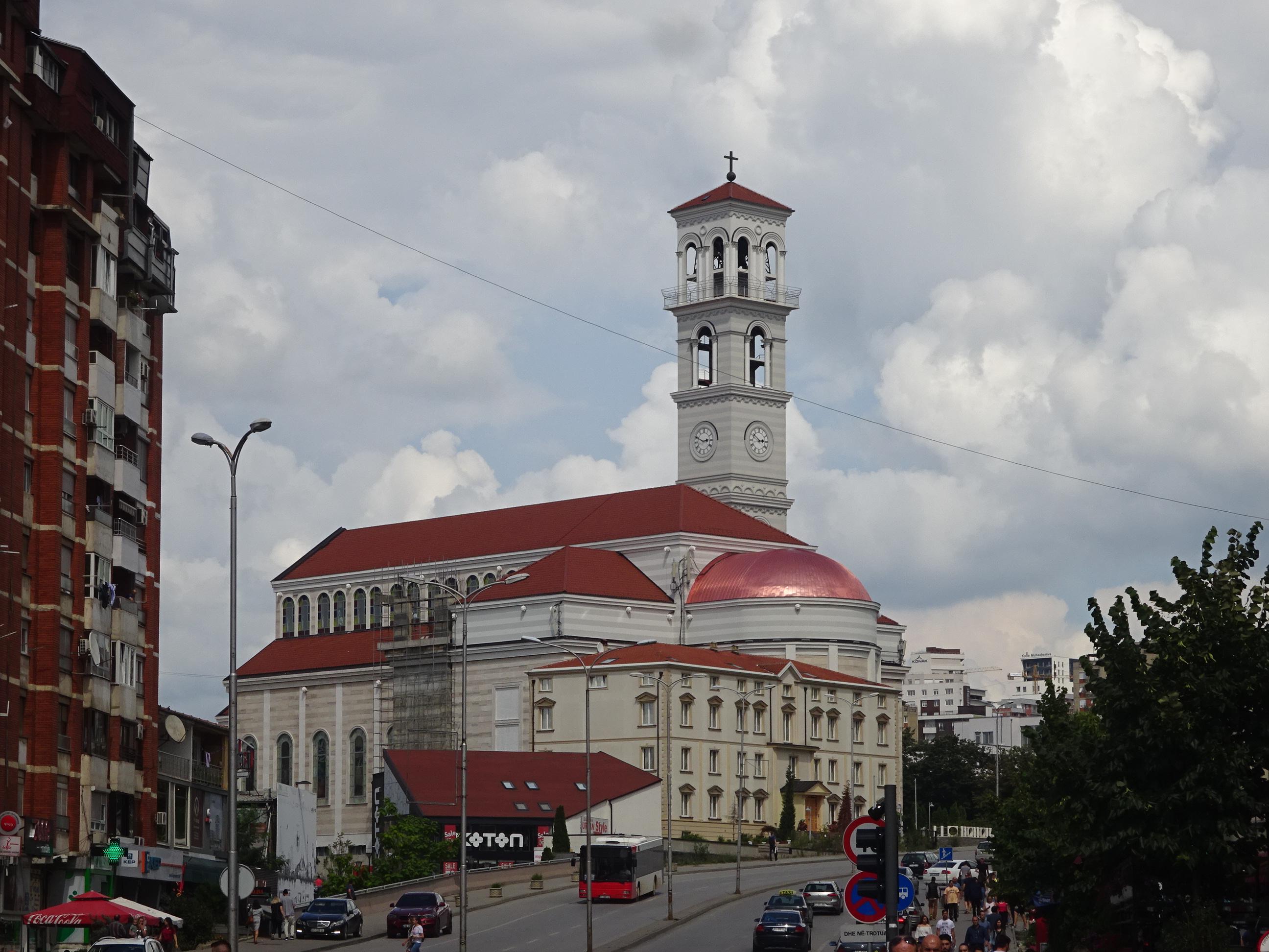 コソボの首都プリシュティナ観光スポット「マザーテレサ大聖堂」
