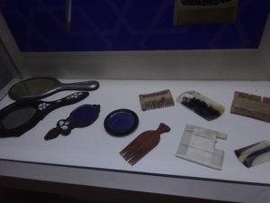 モスタル「ハマムミュージアム」櫛と鏡の展示品