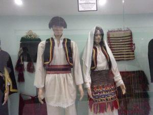 モスタルの博物館「BosnaSeum」民族衣装の展示品