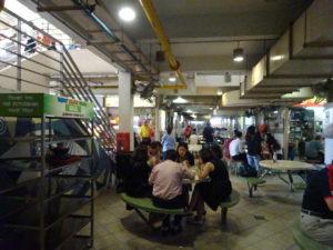 シンガポールのホーカーズ「Berseh Food Centre」の様子