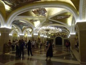 ベオグラードの観光でイチオシ「聖サヴァ大聖堂」の中は仮面舞踏会開かれそう☆
