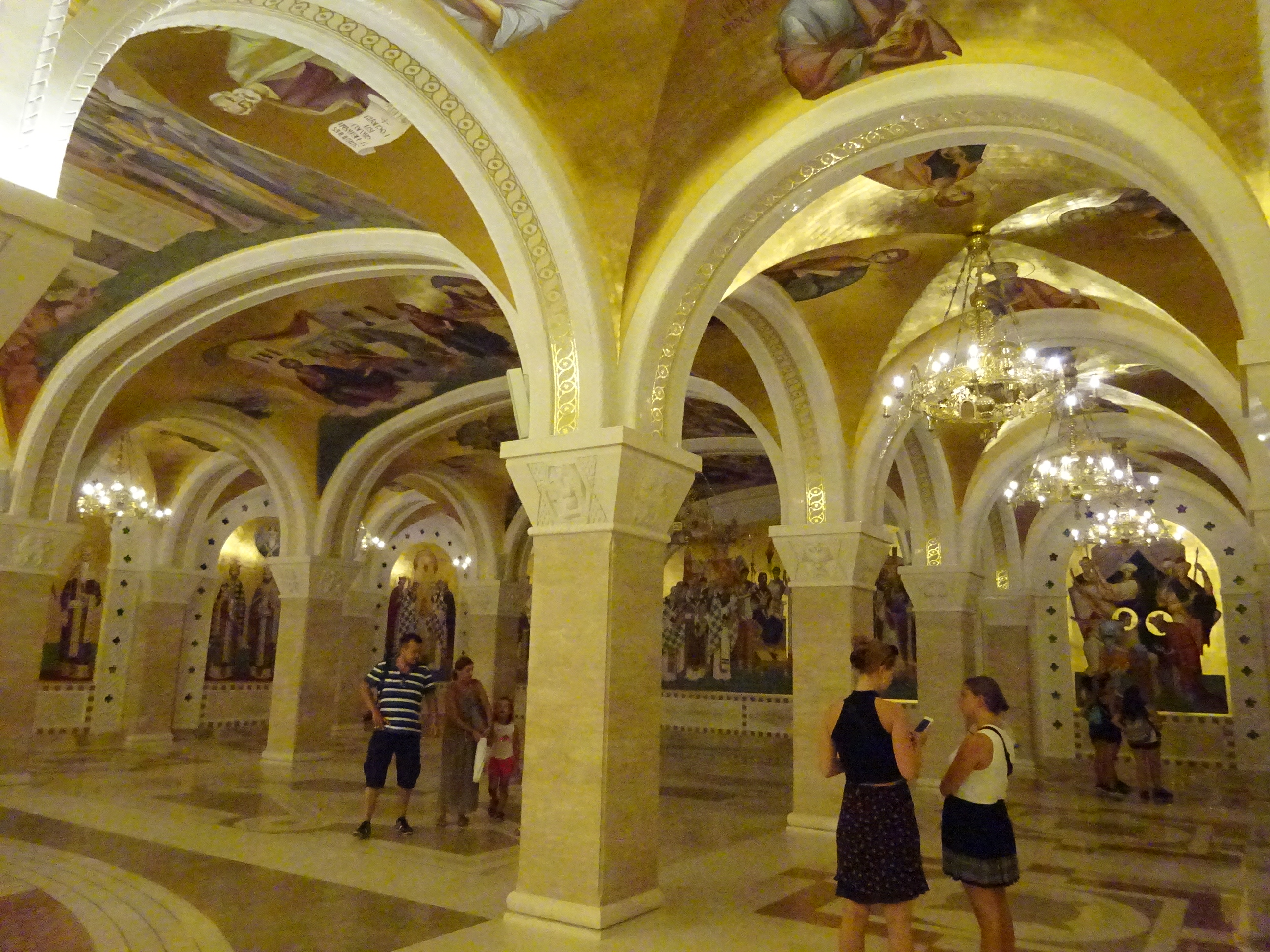 豪華絢爛ベオグラードが誇る観光名所「聖サヴァ大聖堂」☆