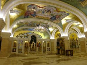 ベオグラードの観光ではかかせない「聖サヴァ大聖堂」の内観
