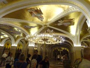シャンデリアが豪華☆ベオグラードの観光での「聖サヴァ大聖堂」