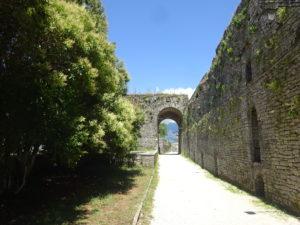 ジロカストラ城のトイレまでの道のり