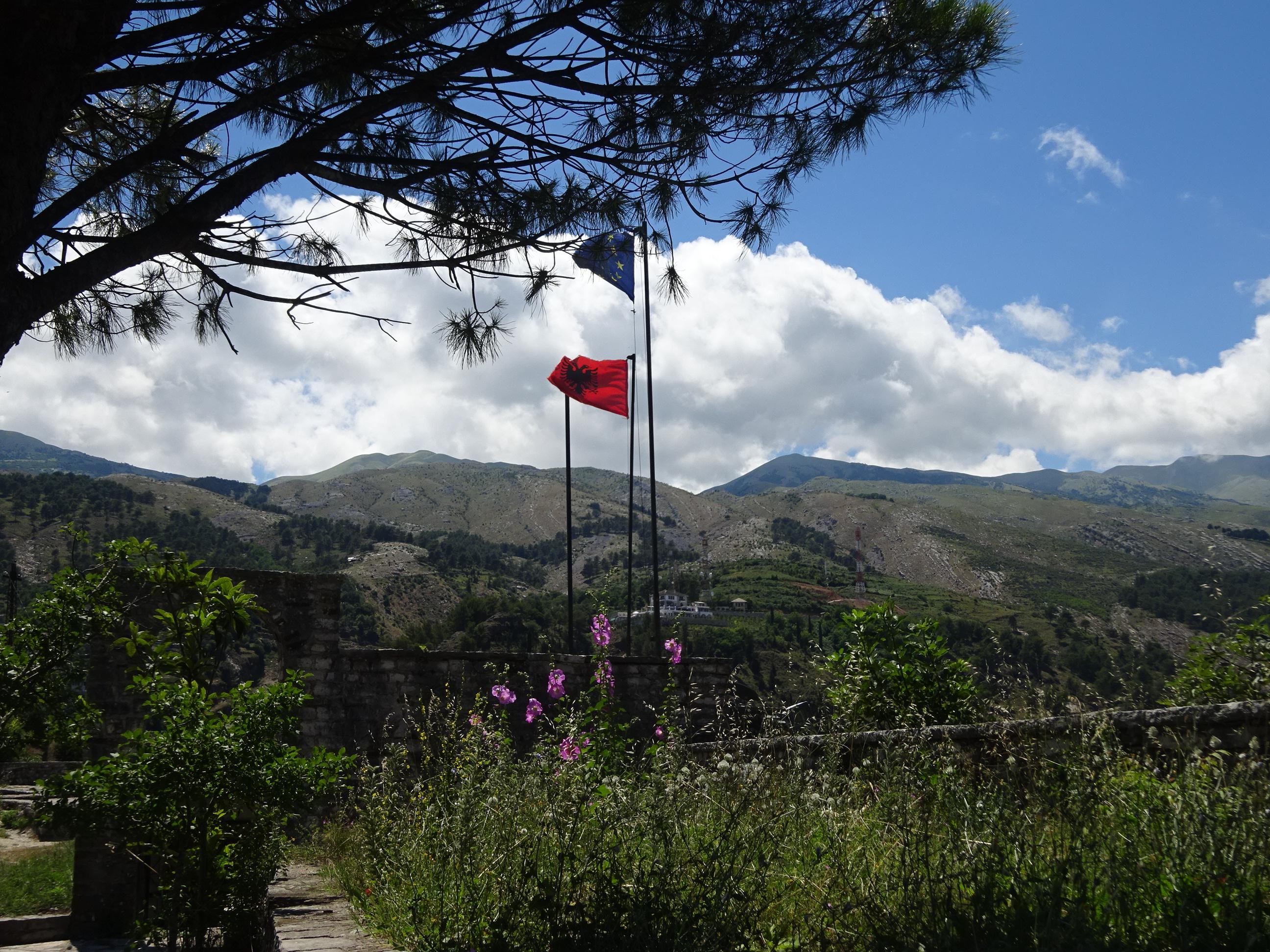 美しいジロカストラの街はアルバニアの世界遺産