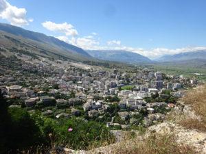大好きなアルバニアのジロカストラ城からの眺め