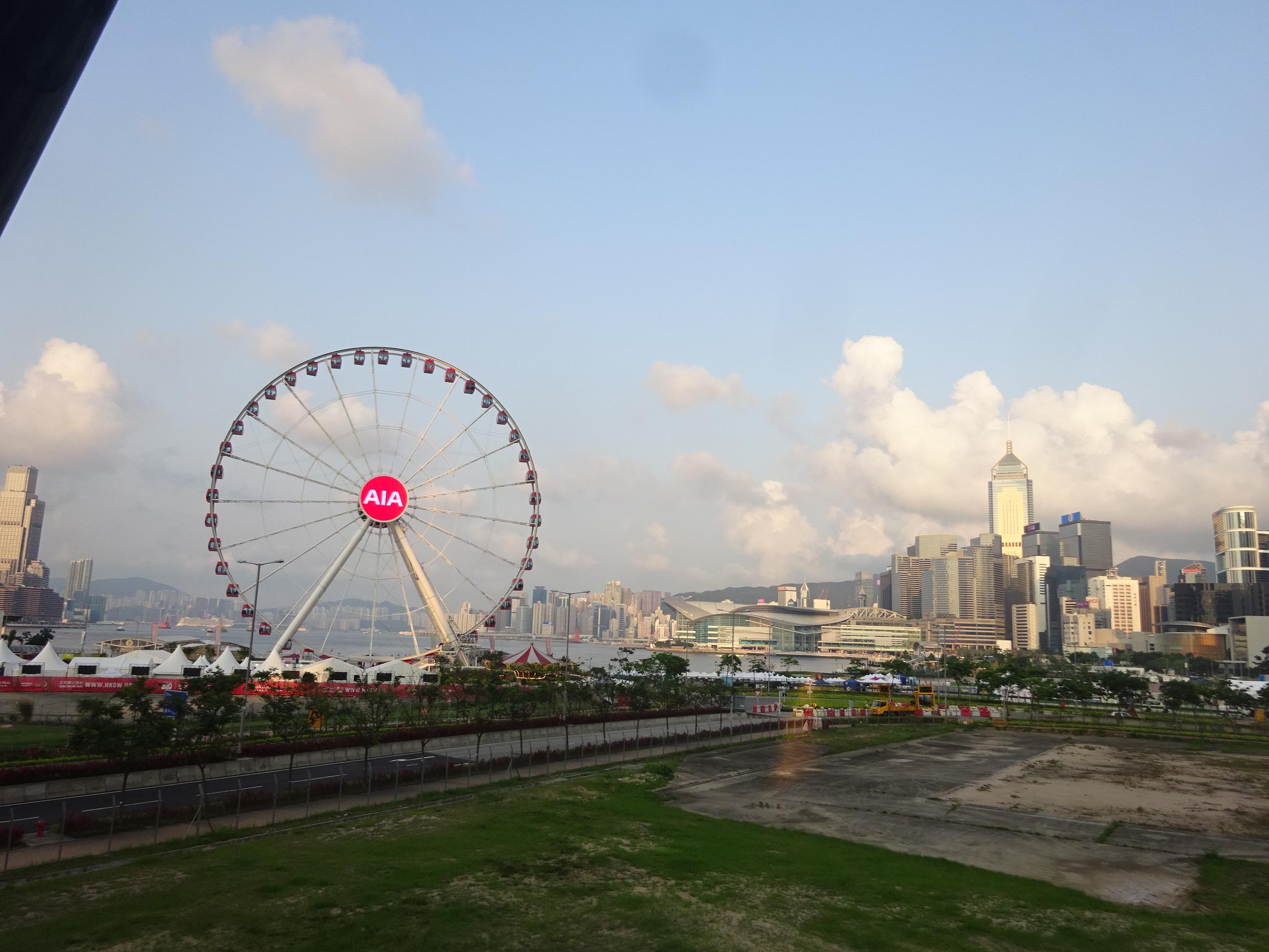 横浜のみなとみらいっぽいスターフェリー(天星小輪・Star Ferry)乗り場付近の景色