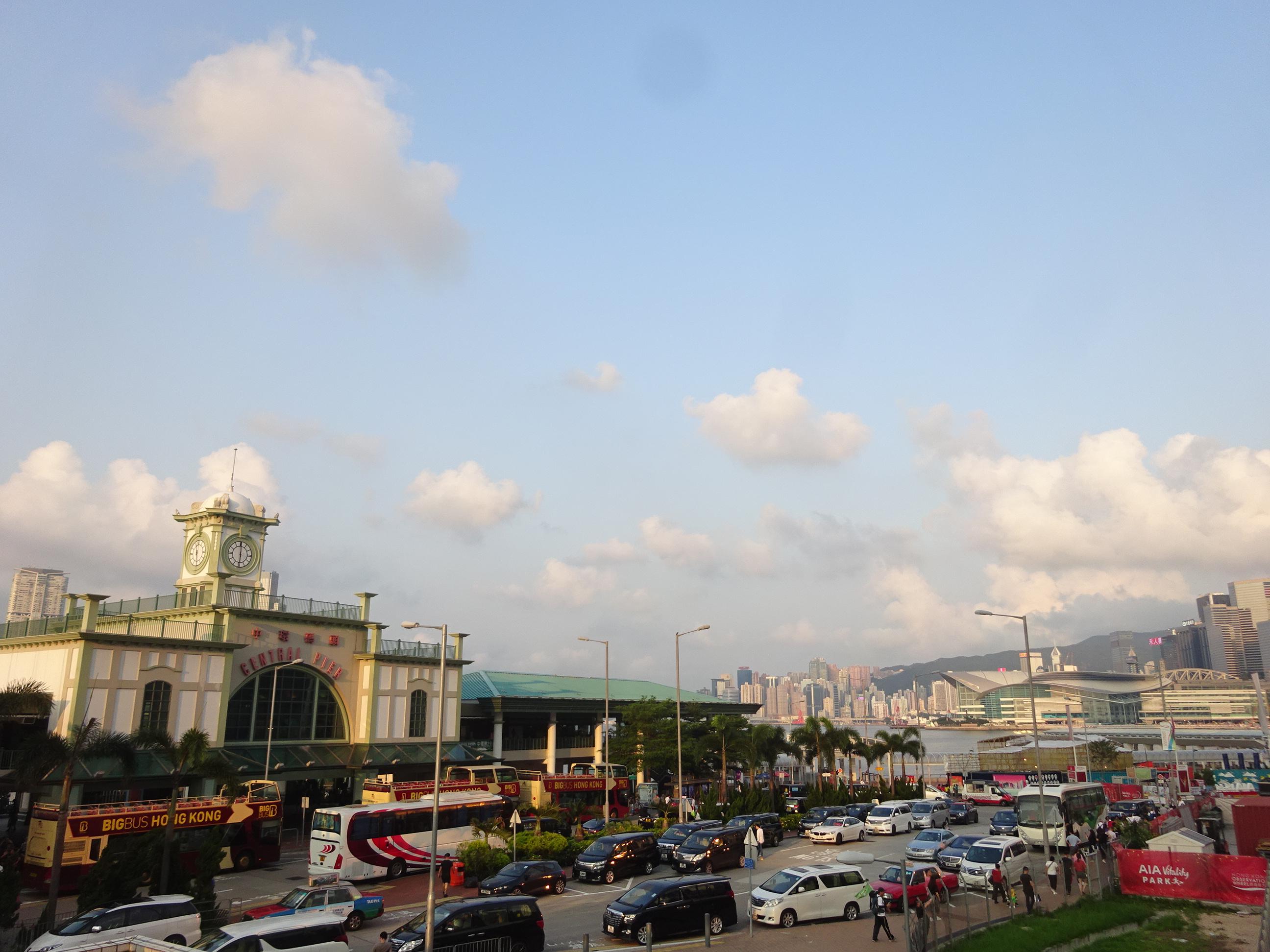 スターフェリー(天星小輪・Star Ferry)乗り場付近の景色