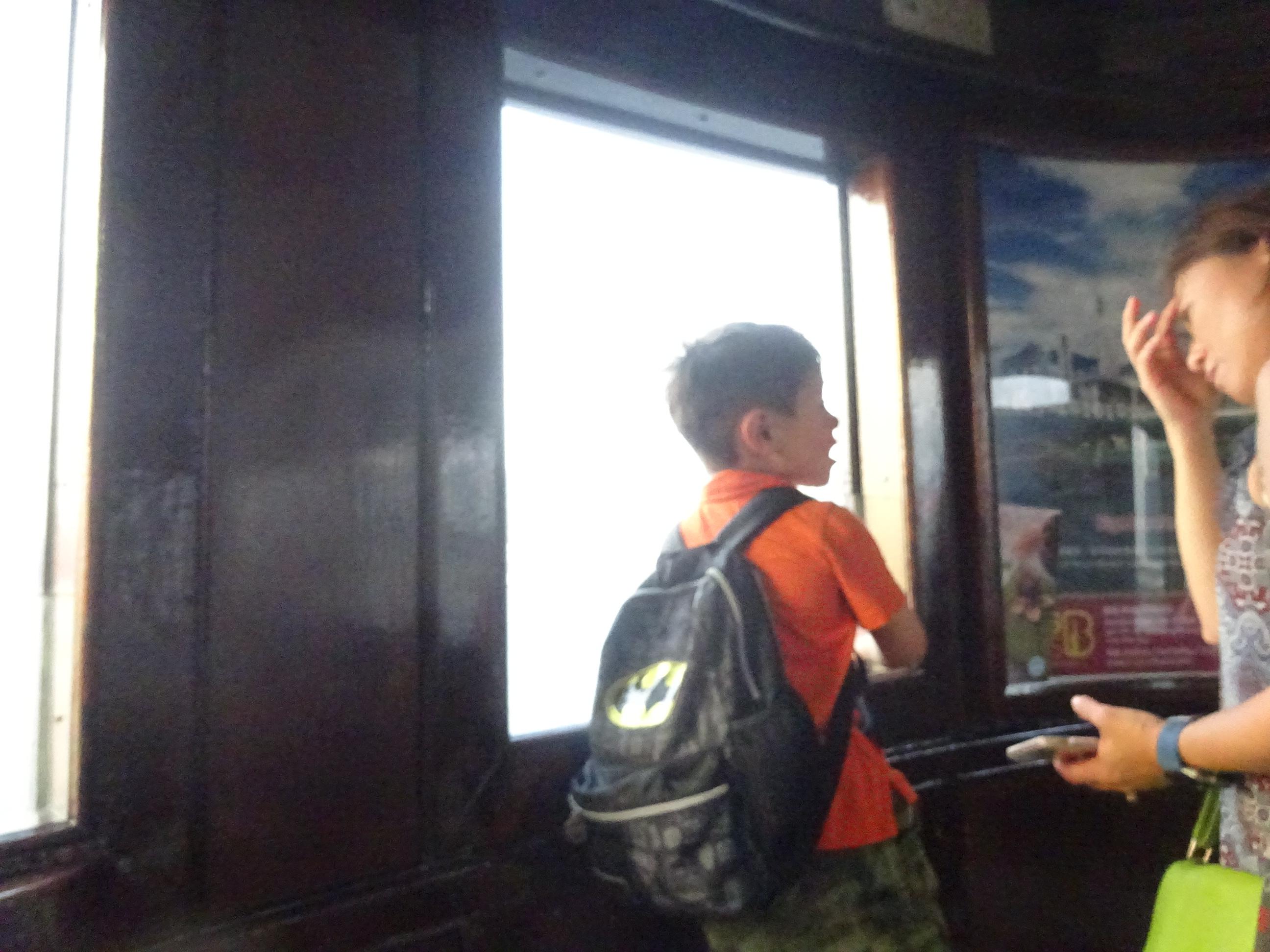 香港スターフェリー(天星小輪・Star Ferry)にいた子供