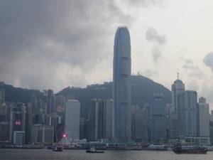 香港らしさ満載のビクトリアハーバーからの眺め