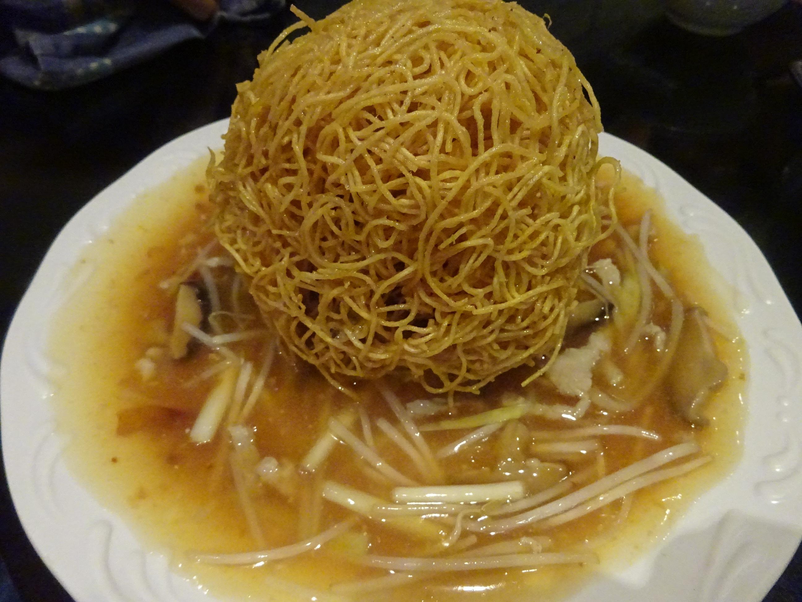 香港ビクトリアピークにあるレストランの麺料理