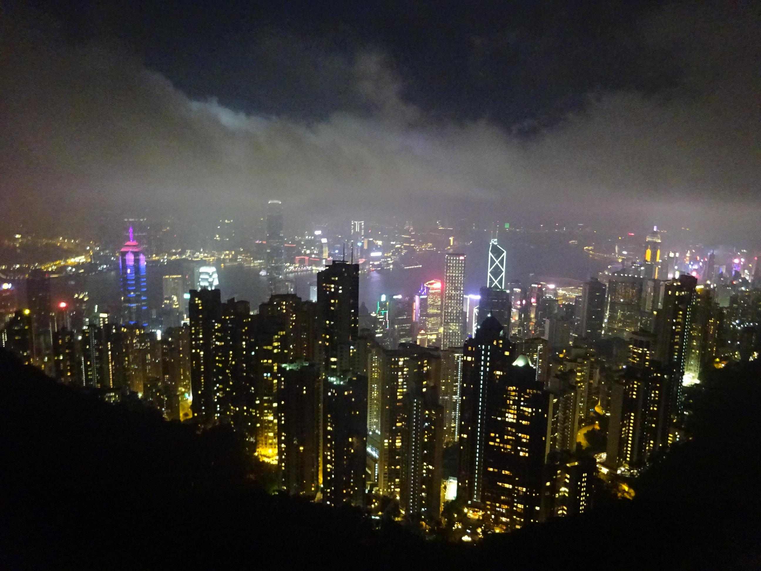 ビクトリアピークのスカイテラス428からの香港の夜景